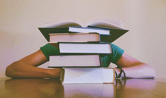 学業との両立が難しい学生の起業